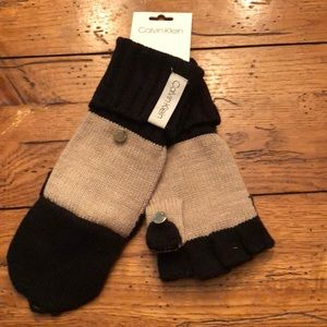 NWT - Calvin Klein Women's Mittens/Gloves